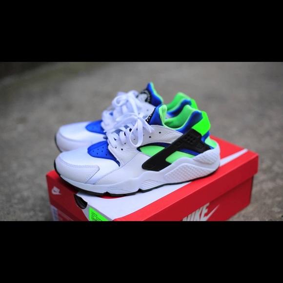 online store f332b 942ae Nike Huaraches! Blue, green, and white